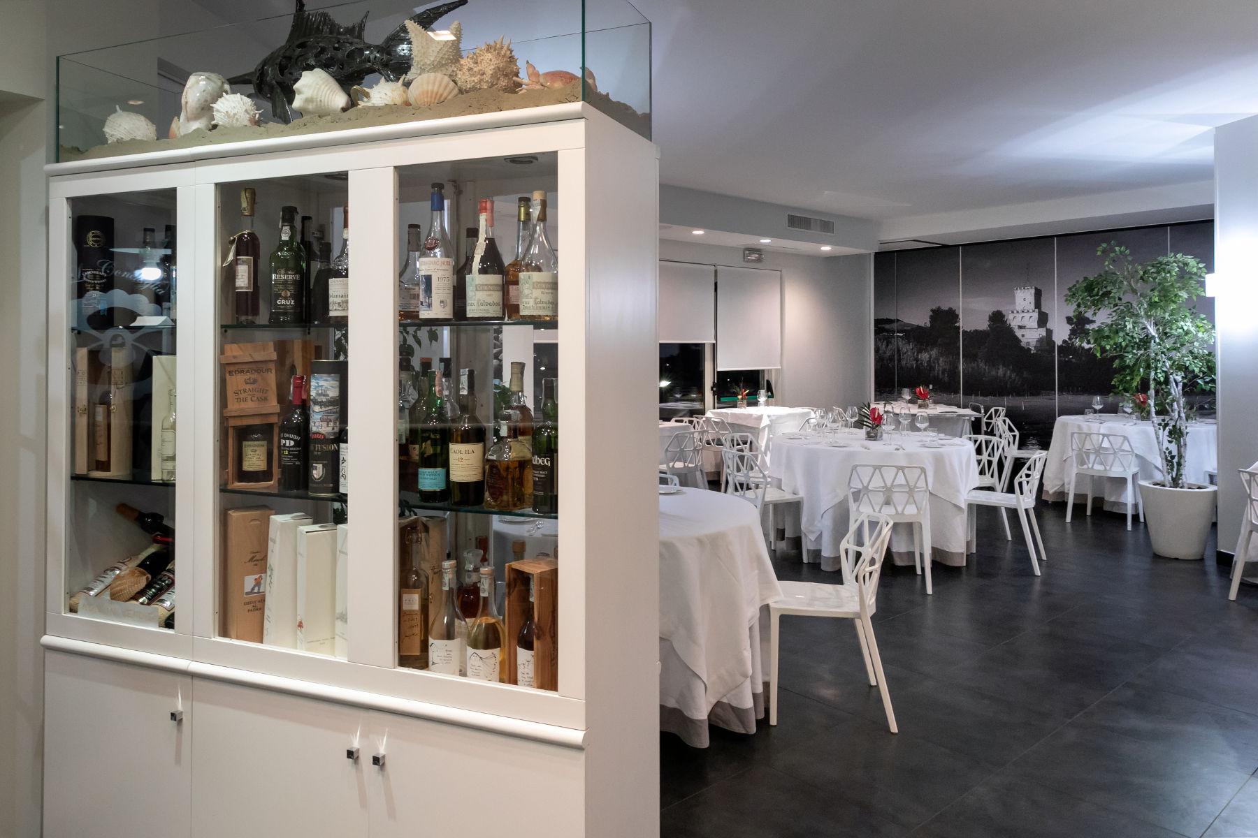ristorante-conchiglia-doro-pineto-sala1